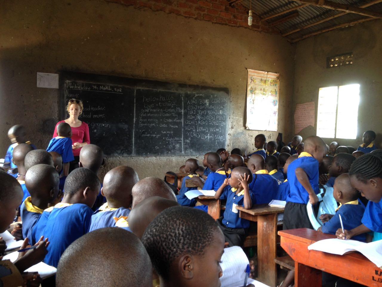 Sunny in der Kirowooza Schule